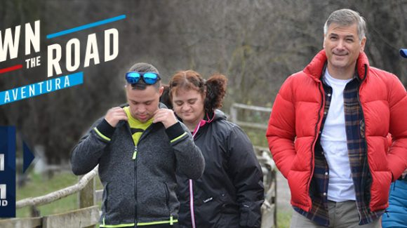 "Opt tineri sportivi Special Olympics România, protagoniștii emisiunii ""Down the Road. Aventura"" de la TVR"