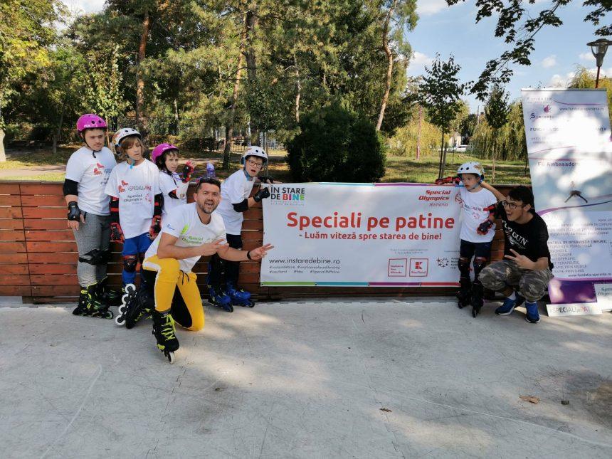 """9 tineri cu dizabilități intelectuale de la Special Olympics România fac la Timișoara o demonstrație de Patinaj Role, în cadrul Programului """"Speciali pe Patine – Luăm viteză spre starea de bine"""""""