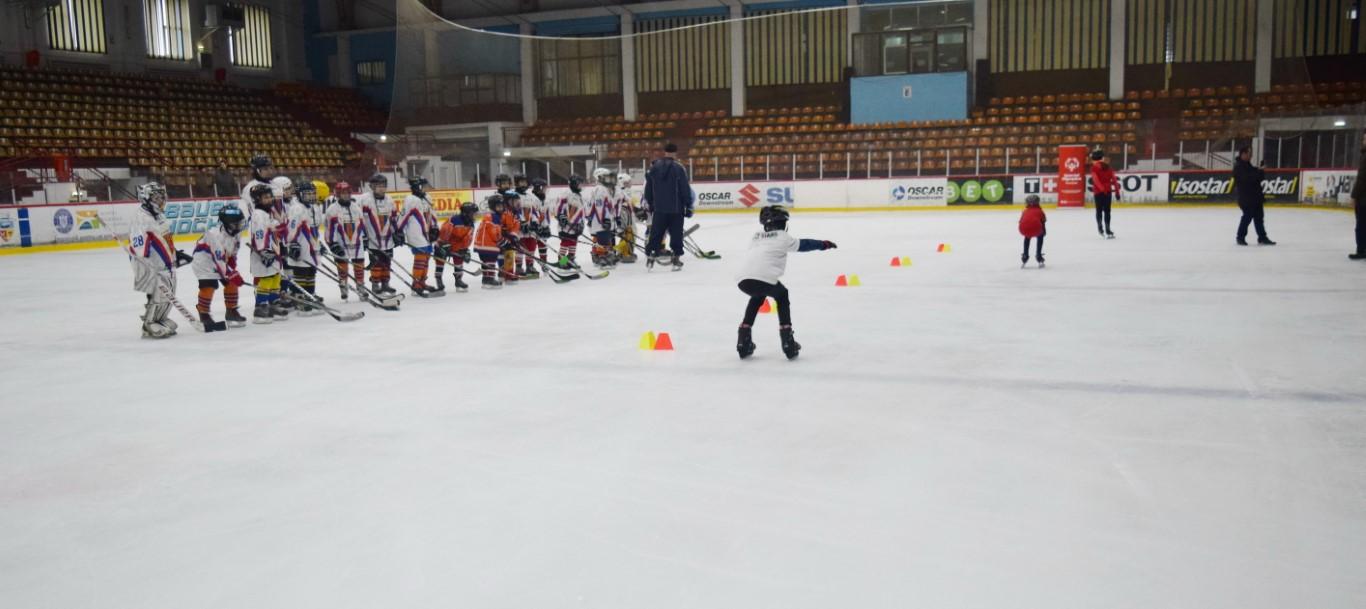 Galati, demo patinaj, Special Olympics Romania