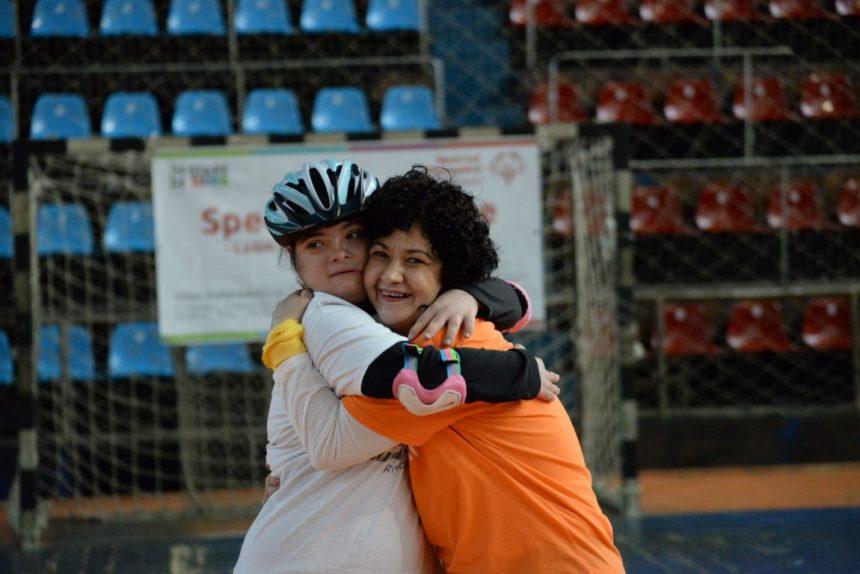 """""""De când face sport, Ioana e mai sociabilă!"""", spune Adriana Stan (mamă)"""